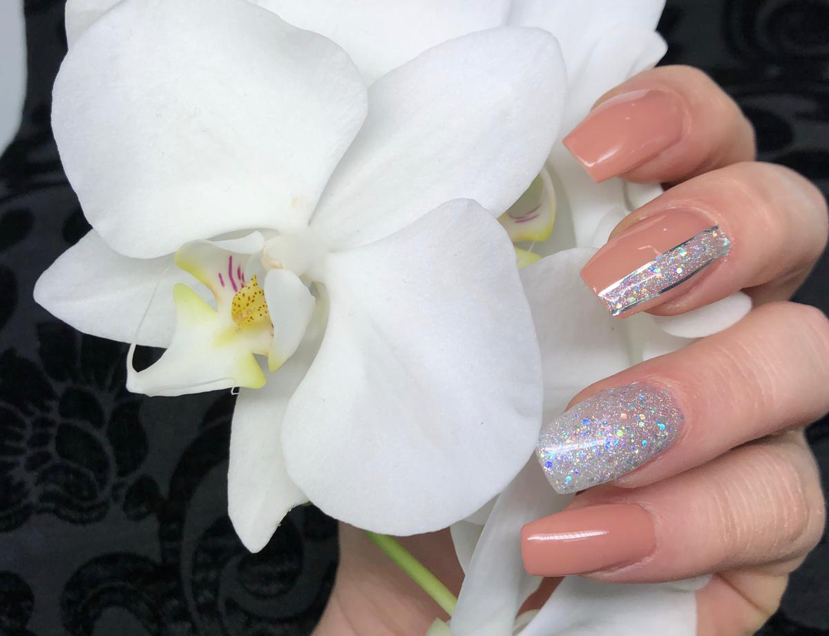 Top Nails & Beauty by annette w.